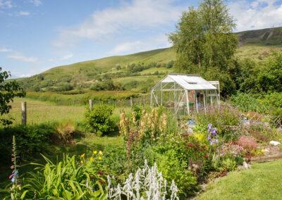 flower bed in back garden of Glandernol